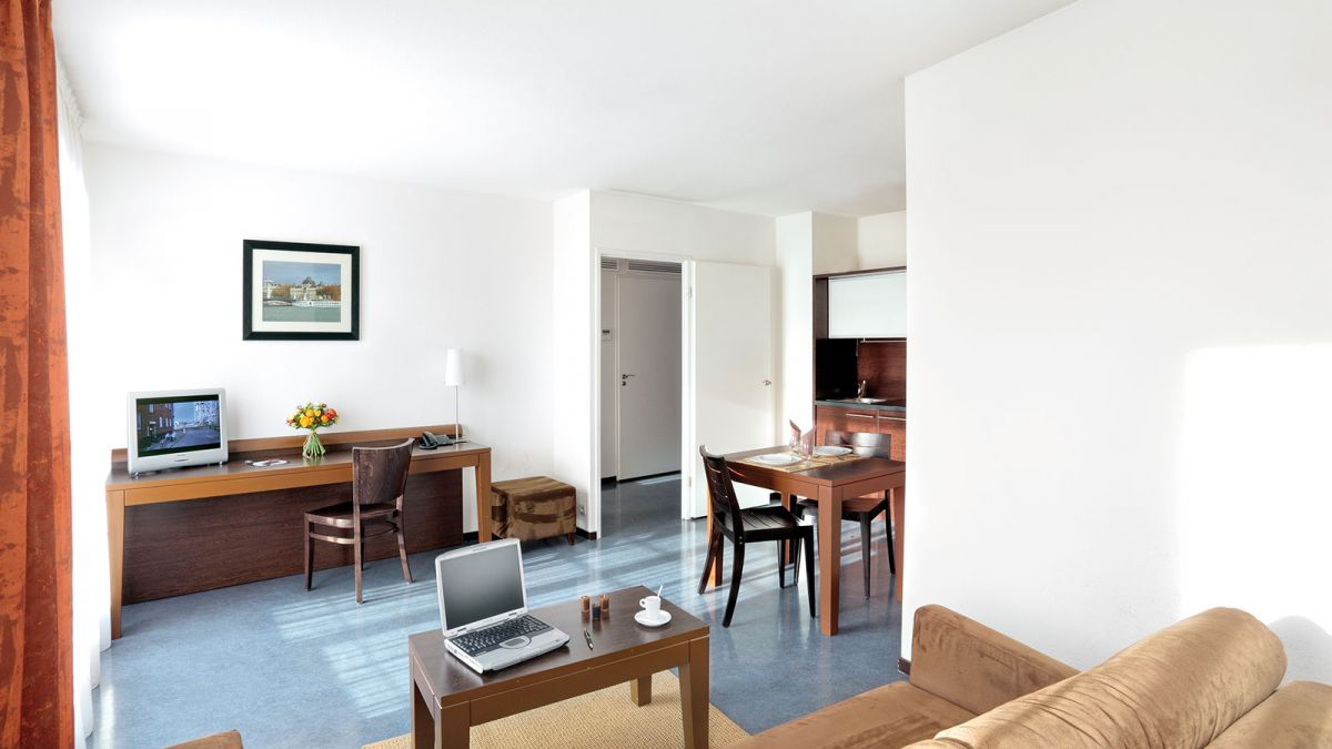 Lyon vaise aparthotel your appart 39 city aparthotel in lyon for Park suite appart hotel