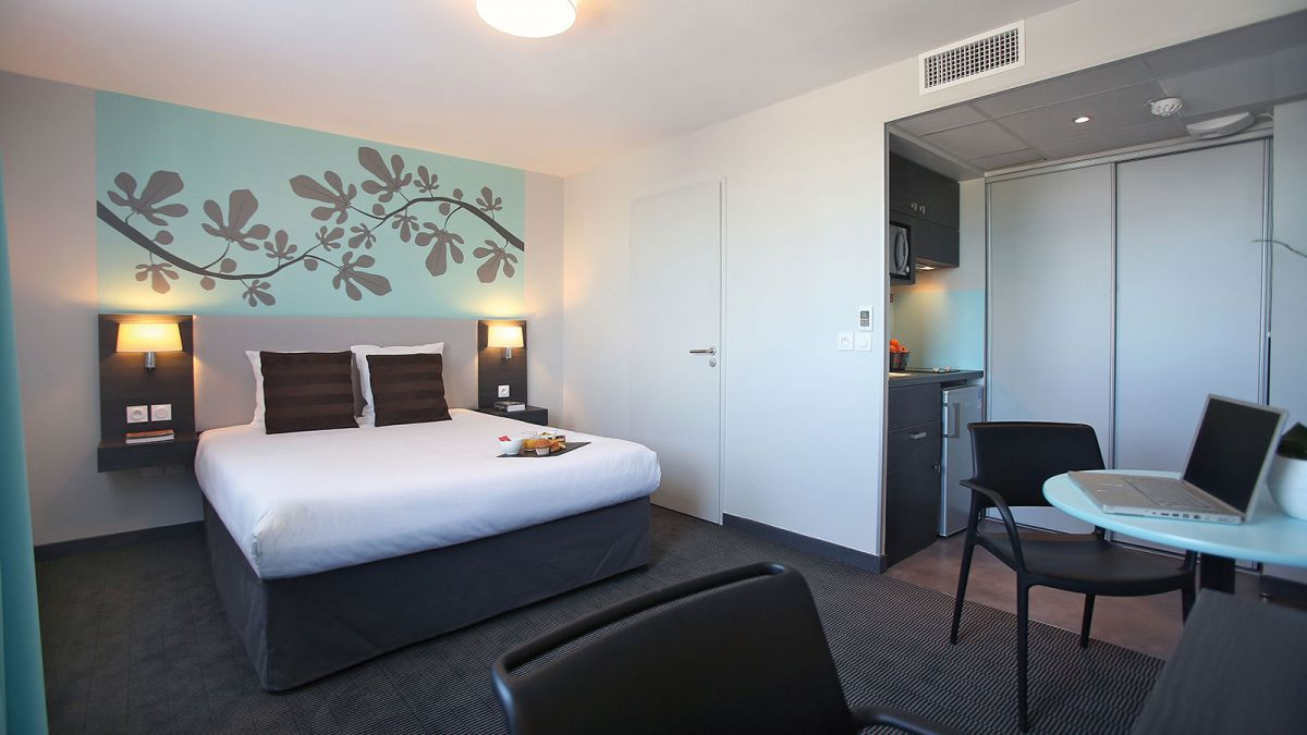 hotel-montpellier-ovalie-2-chambre