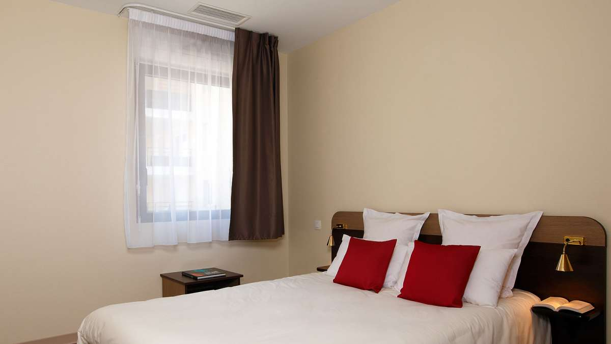 hotel-pascher-nimes-chambre2