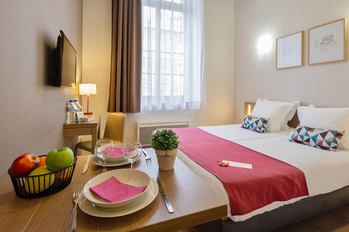 Reims centre ville aparthotel your appart 39 city aparthotel for Hotel appart reims