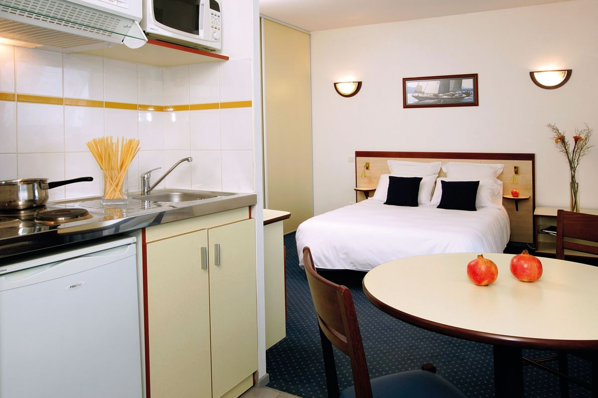 Toulouse hippodrome aparthotel your appart 39 city for Appart hotel toulouse