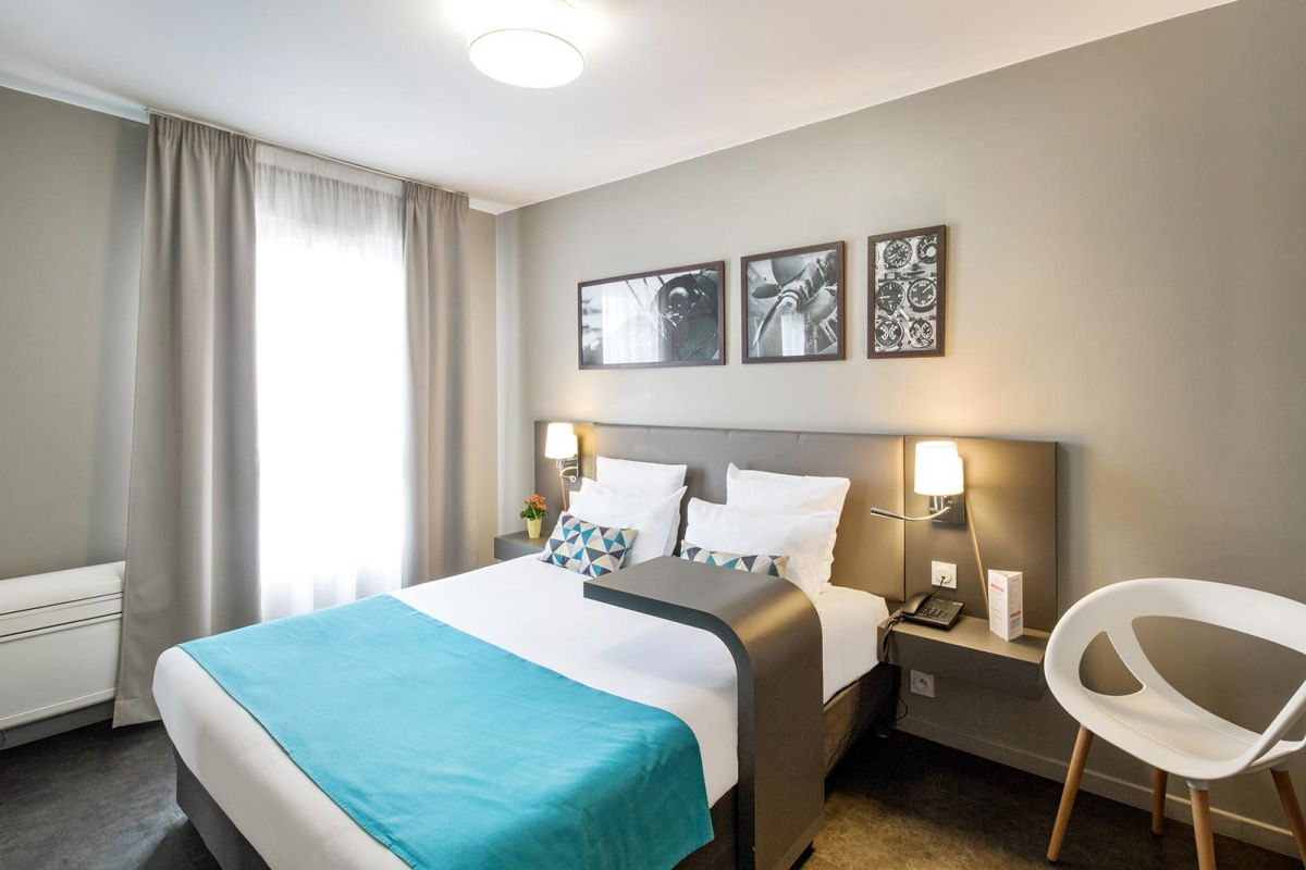 hotel-le-bourget-blanc-mesnil-chambre