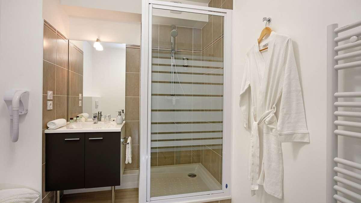 appart hotel vannes votre appartement h tel appart 39 city vannes. Black Bedroom Furniture Sets. Home Design Ideas