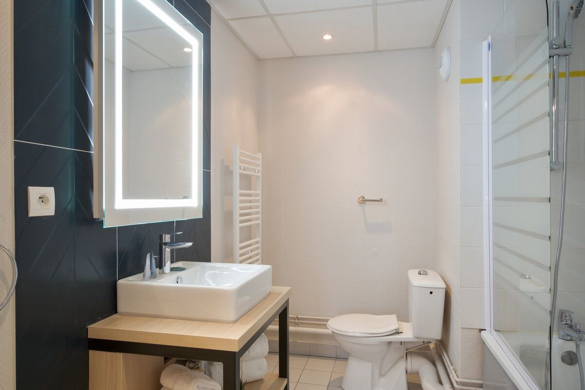 lille-euralille-t2-priviege-sejour-cuisine-appartement-hotel