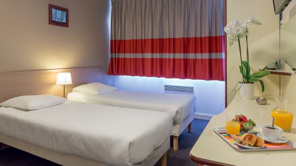 Hotel pas cher proche aquarium la rochelle for Hotel proche