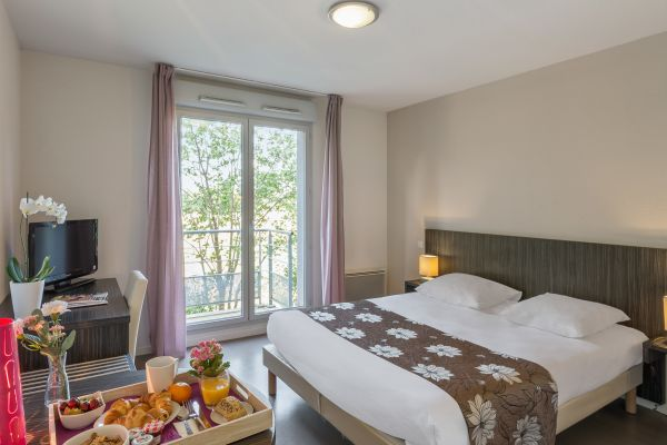 Toulouse L Hers Aparthotel Your Appart City Aparthotel In Toulouse